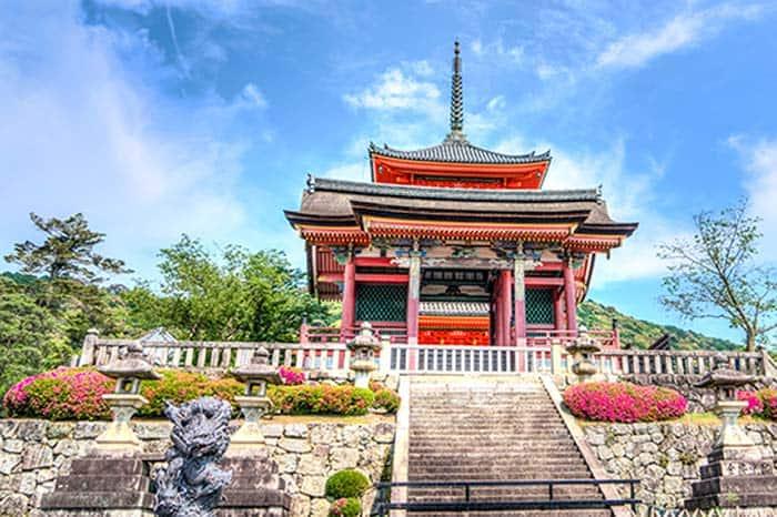 Zozoji temple, 27 fun things to do in Tokyo, Japan