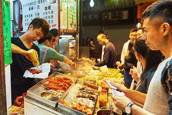 Don't miss to try out Hong Kong's sumptuous street food
