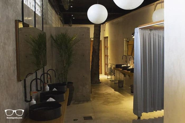 Bamba Capsule Hotel is a brand new 5 Star Hostel in Kuta Lombok, Indonesia - perfect for solo travellers & couples