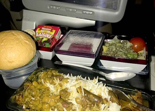 Food and Meals served at Qatar Airways; the vegetarian option