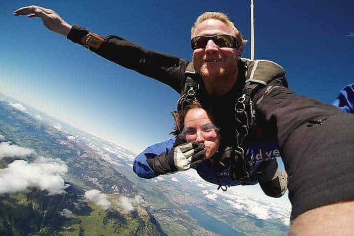 Sky diving in Interlaken