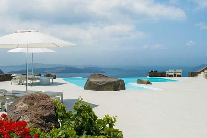 Boutique & Luxury Hotels: Aenaon Villas in Santorini