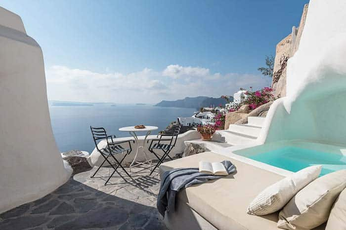 Best Airbnb in Santorini; Cave House with private pool