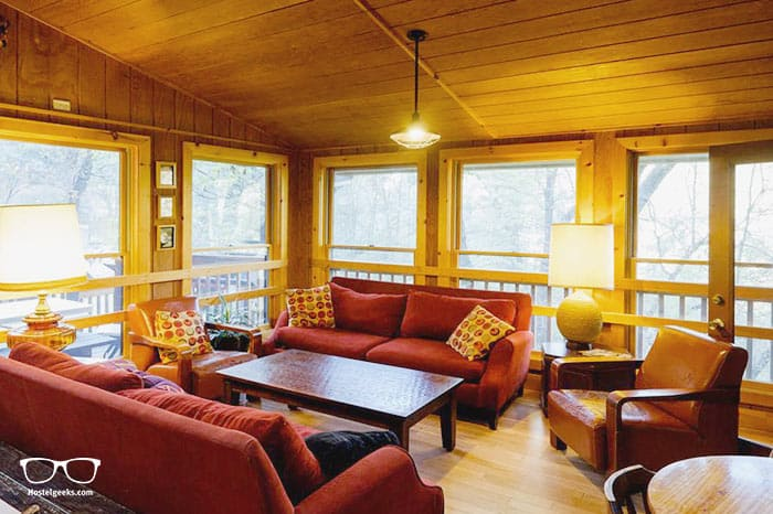 Yosemite Bug Rustic Mountain Resort is one of the best hostels in California, USA