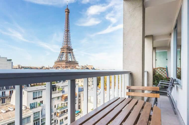 14 Best Airbnbs in Paris, France