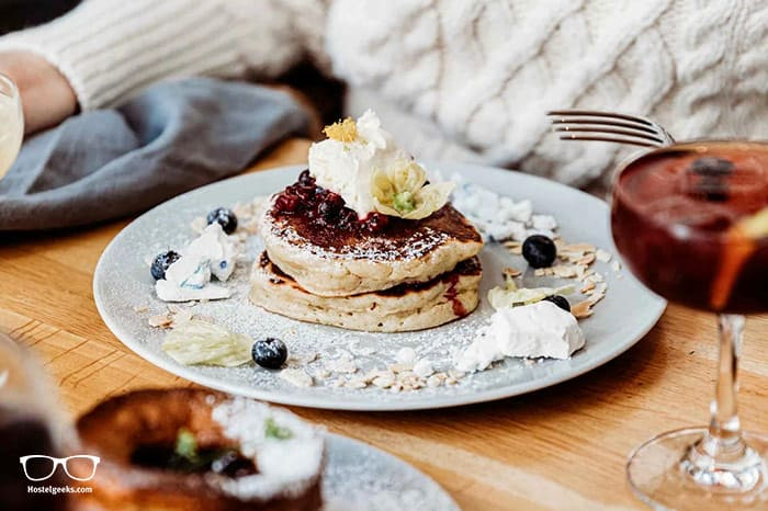 Pancakes and Cocktails - One of the best things to do in London with Indytute