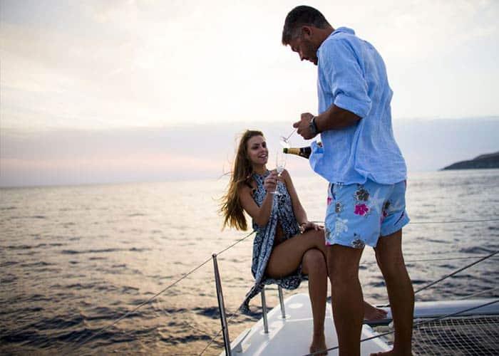 Enjoy a romantic Boat Tour in Santorini, Greece